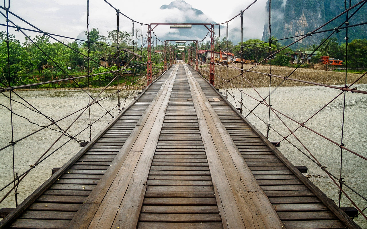 Construction pont ecole